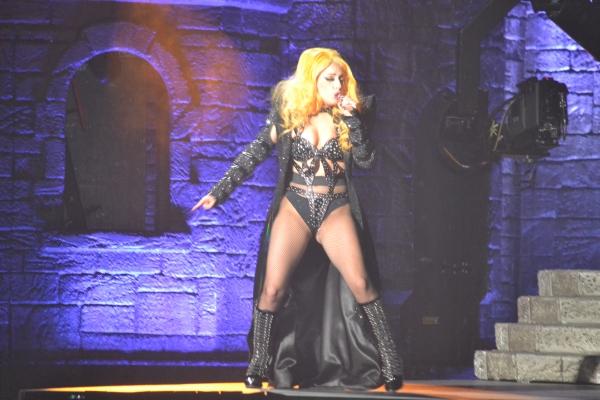 """Gira >> """"The Born This Way Ball Tour"""" [6] - Página 49 13"""