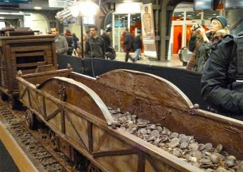 صنع أكبر قطار فى العالم من الشيكولاتة!  10