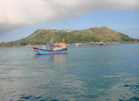 Đảo Lý Sơn được hình thành từ 5 ngọn núi lửa phun trào Dao-ly-son-hinh-thanh-tu-nui-lua-1