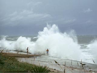 USA, sara' una stagione di uragani distruttivi secondo il NOAA  132719443-media-db75d025-8c08-4a30-be72-4c0c87bf1db8