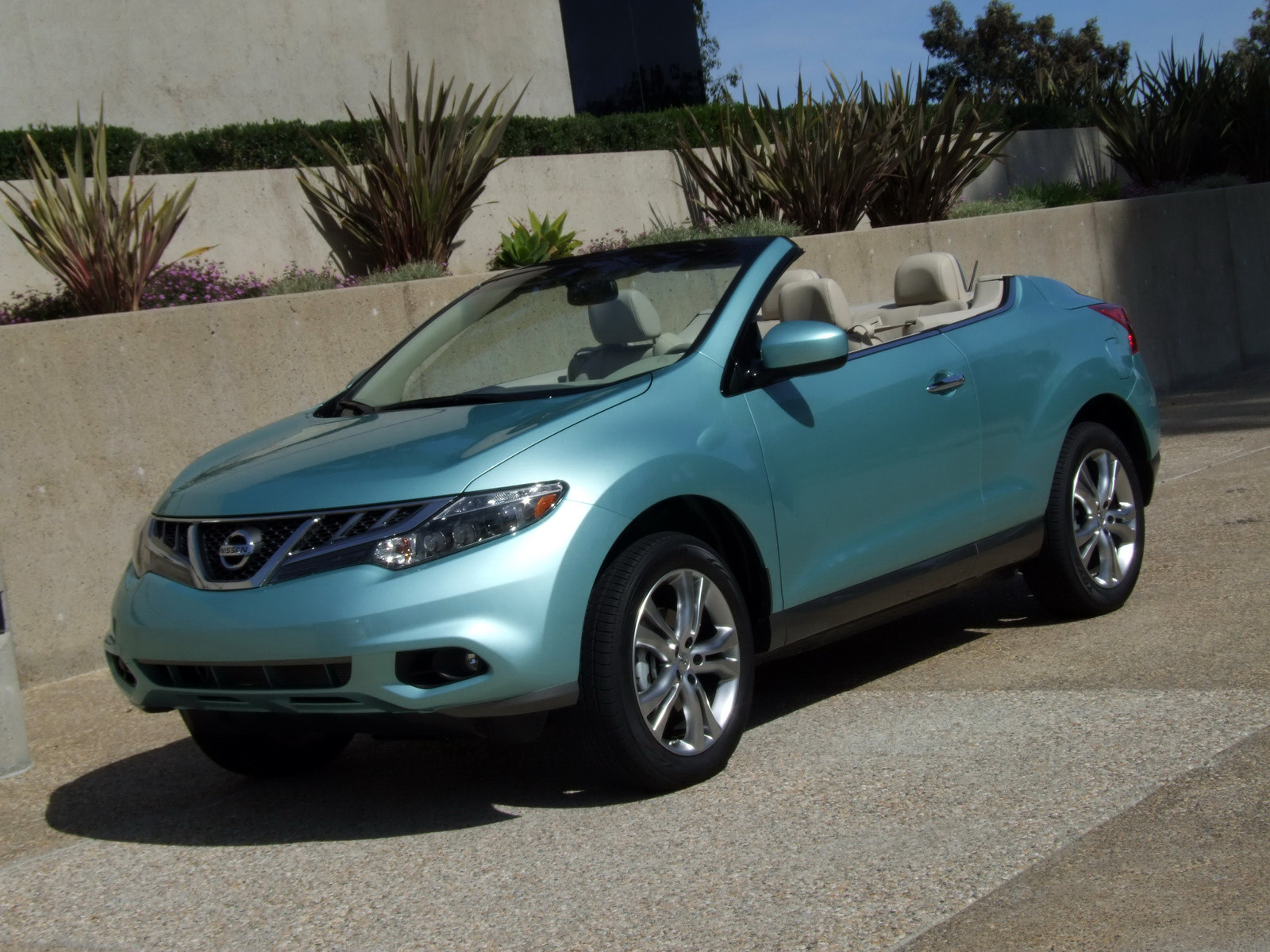 2010 - [Nissan] Murano CrossCabriolet - Page 4 2011-Nissan-Murano-CC-TD-634