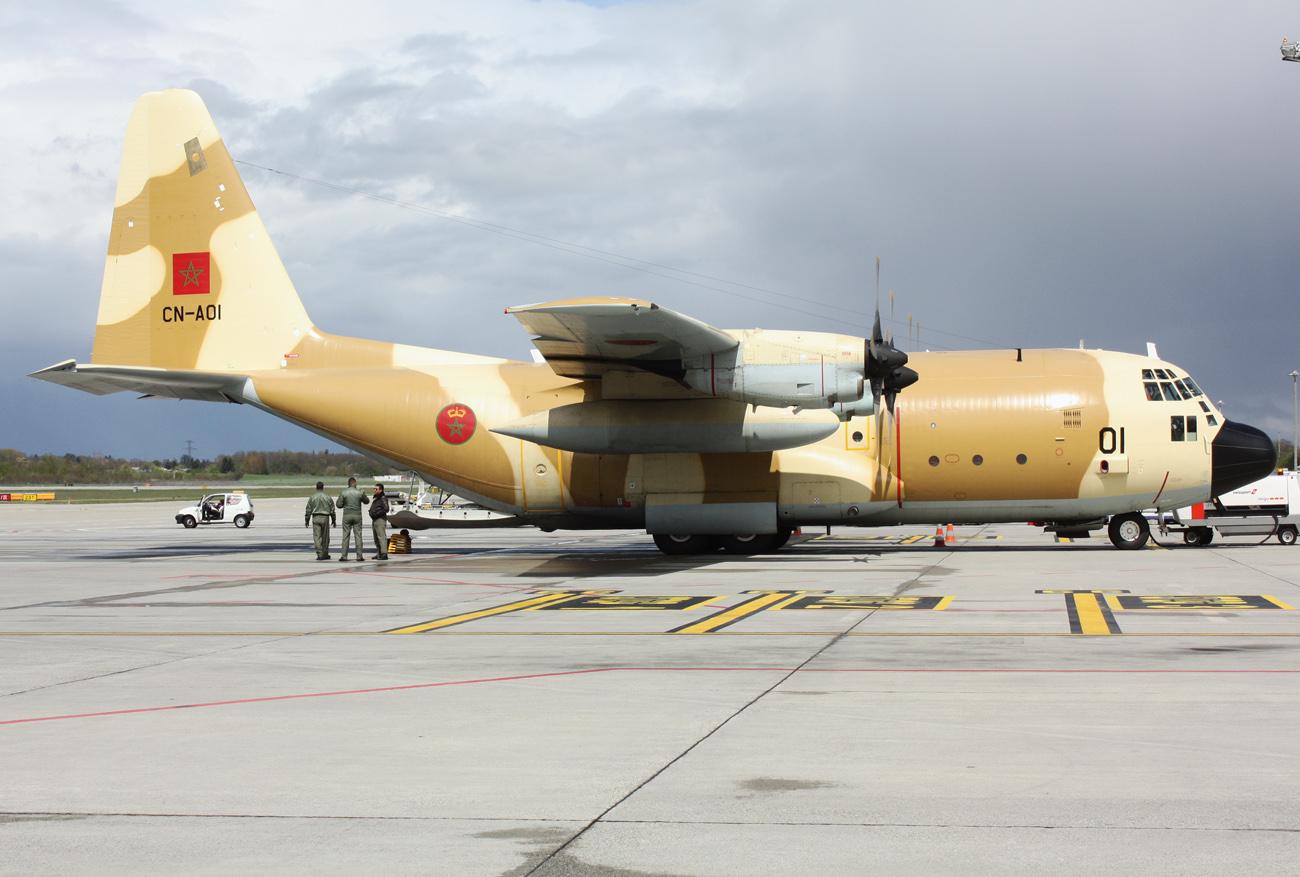 FRA: Photos d'avions de transport - Page 13 029