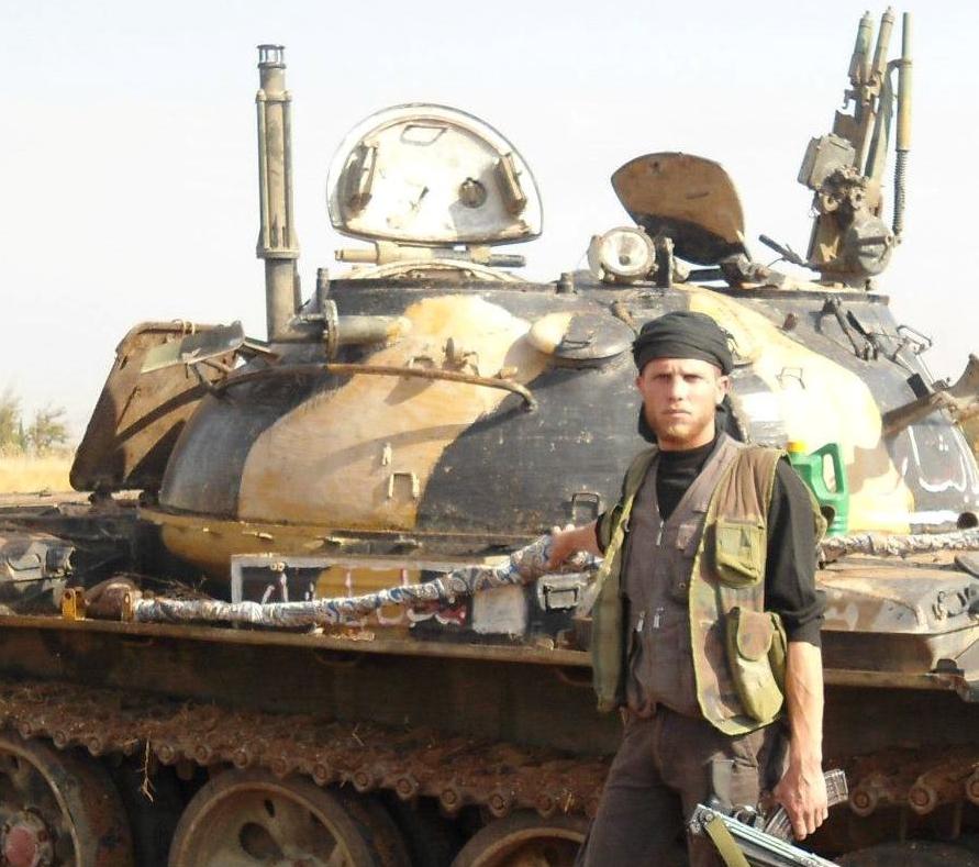 الجيش العربي السوري يتسلم دفعة من دبابات T-62M ومركبات مشاة قتالية BMP-1 J9
