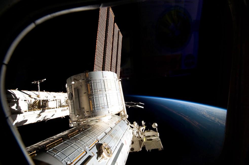 --Работа шаттла на орбите : фотографии-- Shuttle3