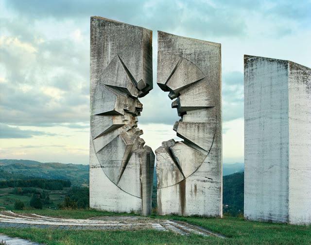 Construcciones abandonadas de la antigua URSS Spomenik_18