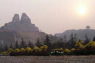 Las estatuas más impresionantes del Mundo  Yan%2B%2526%2BHuang%2B3