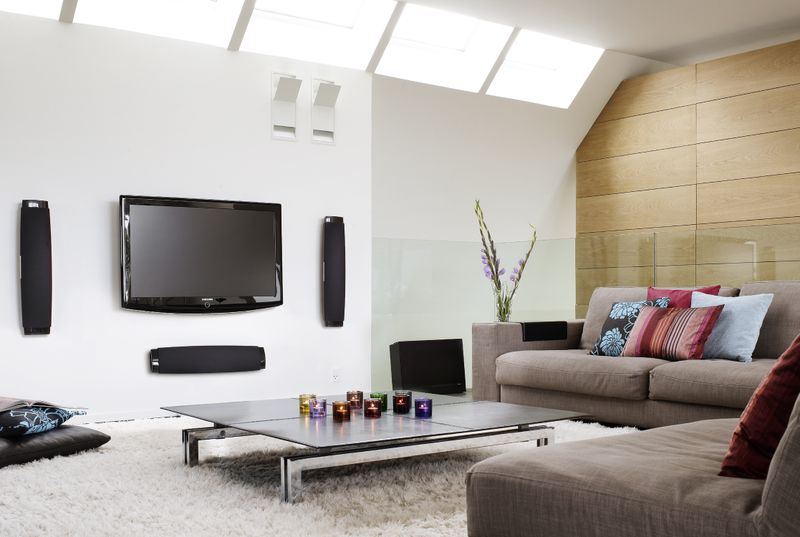ห้องนอนที่ได้มาพร้อมกับน้ำใจ_นักสืบ Aomtiny Modern-living-room-furniture-with-sofas