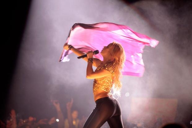Galería » Apariciones, candids, conciertos... - Página 2 Shakira%2Bu%2Bbeogradu%2B%252815%2529_1304969400_620x0
