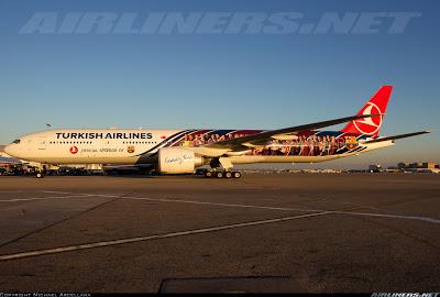 Conhece o 777-300 da Turkish adesivado com o time do Barcelona? 2067189