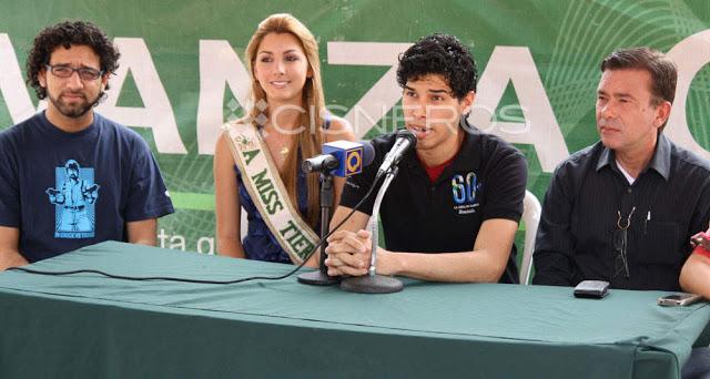 Caroline Medina - Miss Earth Fire 2011 From Venezuela - Page 2 MissVenezuela_CarolineMedina_Voluntariado_HoradelPlaneta_20113