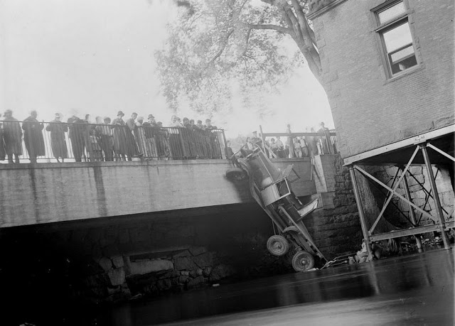 حوادث السيارات في عام 1930 أي قبل 80 سنة .. صور تكشف لأول مرة !؟ Supercoolpics_20_31082012121656