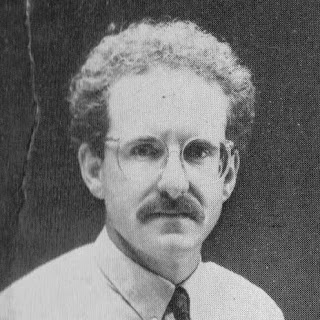 Le vrai visage des auteurs de livre jeux - Page 2 Ian_Livingstone_Dicing_With_Dragons_1982