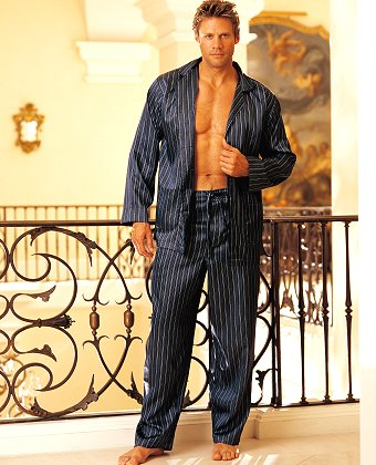 Obucite osobu iznad - Page 3 Men_s_striped_pajamas