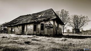 Le due chiavi. Vecchia-casa-di-legno-163141