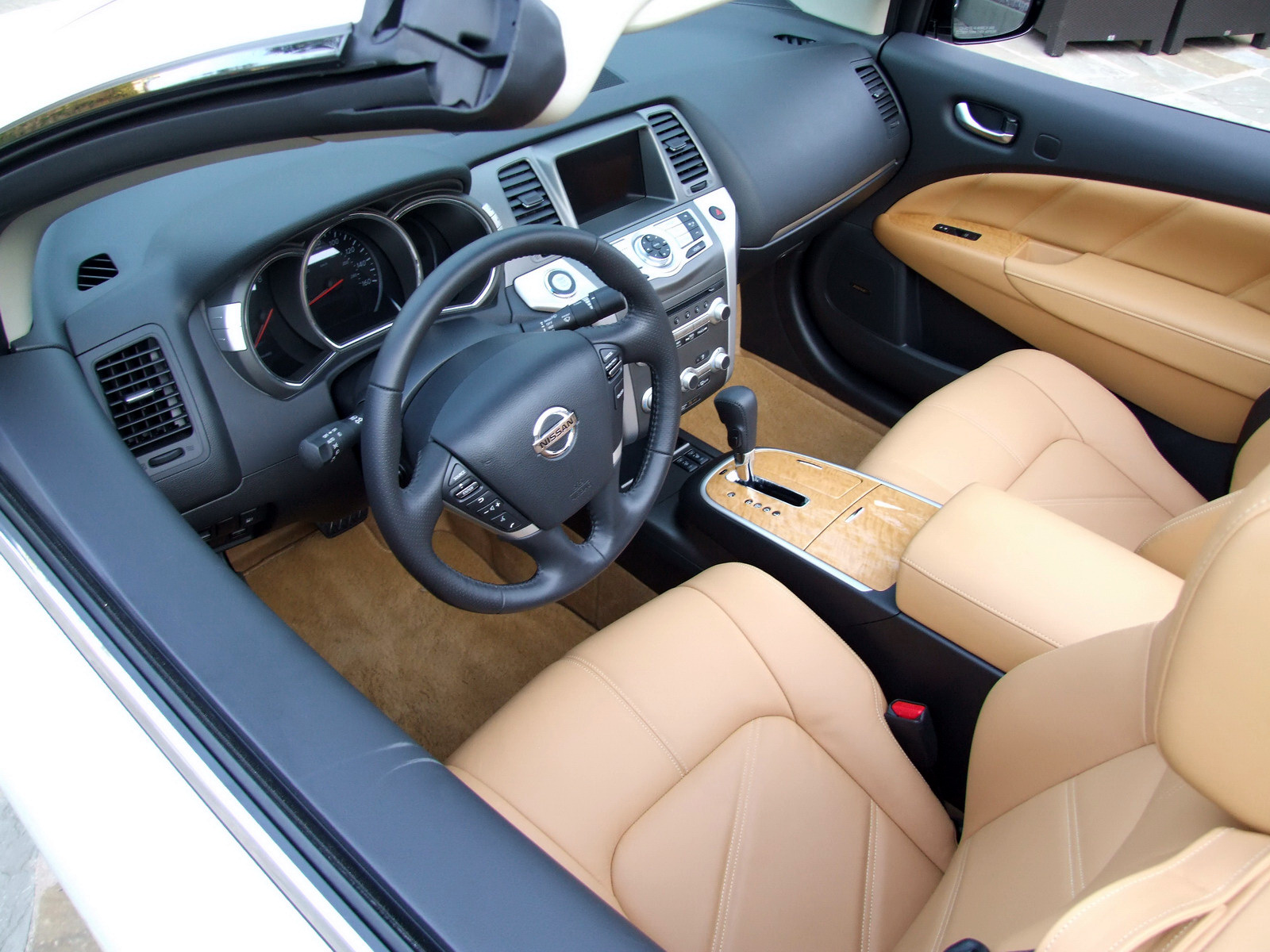 2010 - [Nissan] Murano CrossCabriolet - Page 4 2011-Nissan-Murano-CC-TD-628