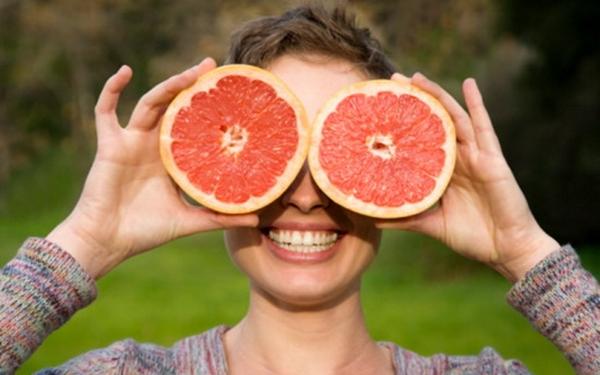 Chế độ ăn uống với bưởi sẽ giúp bạn giảm 5 kg trong mỗi tuần Buoi-14-235943584