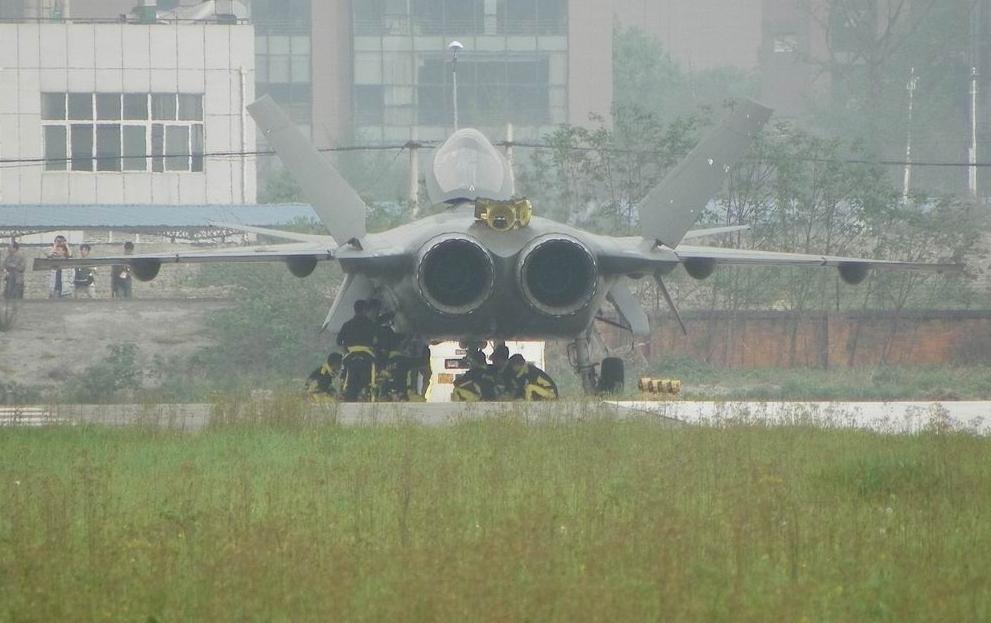 المقاتلة الصينية J-20 Mighty Dragon المولود غير الشرعي J-20%2BMighty%2BDragon%2B%2BChengdu%2BJ-20%2Bfifth%2Bgeneration%2Bstealth%252C%2Btwin-engine%2Bfighter%2Baircraft%2Bprototype%2BPeople%2527s%2BLiberation%2BArmy%2BAir%2BForce%2B%25283%2529