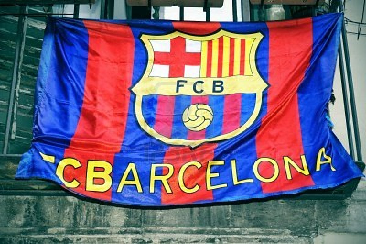 Les Drapeaux......... - Page 38 10382155-a-fc-barcelona-flag-hanging-on-a-balcony