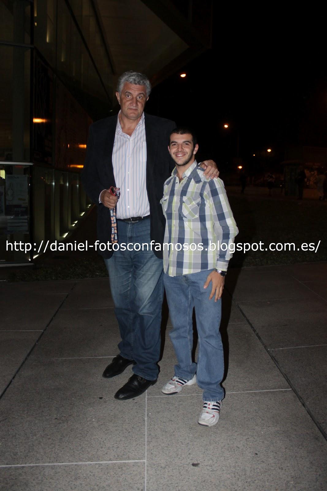 ¿Cuánto mide Danifotos? (Daniel fotos con famosos) -  (cazafotos) - Altura Romay