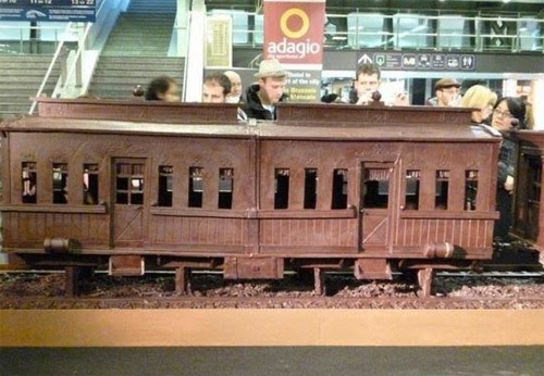 صنع أكبر قطار فى العالم من الشيكولاتة!  20