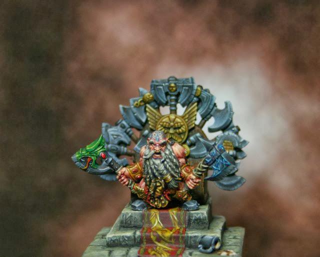 trono de hachas (tomado del descanso del escriba) Img_4004
