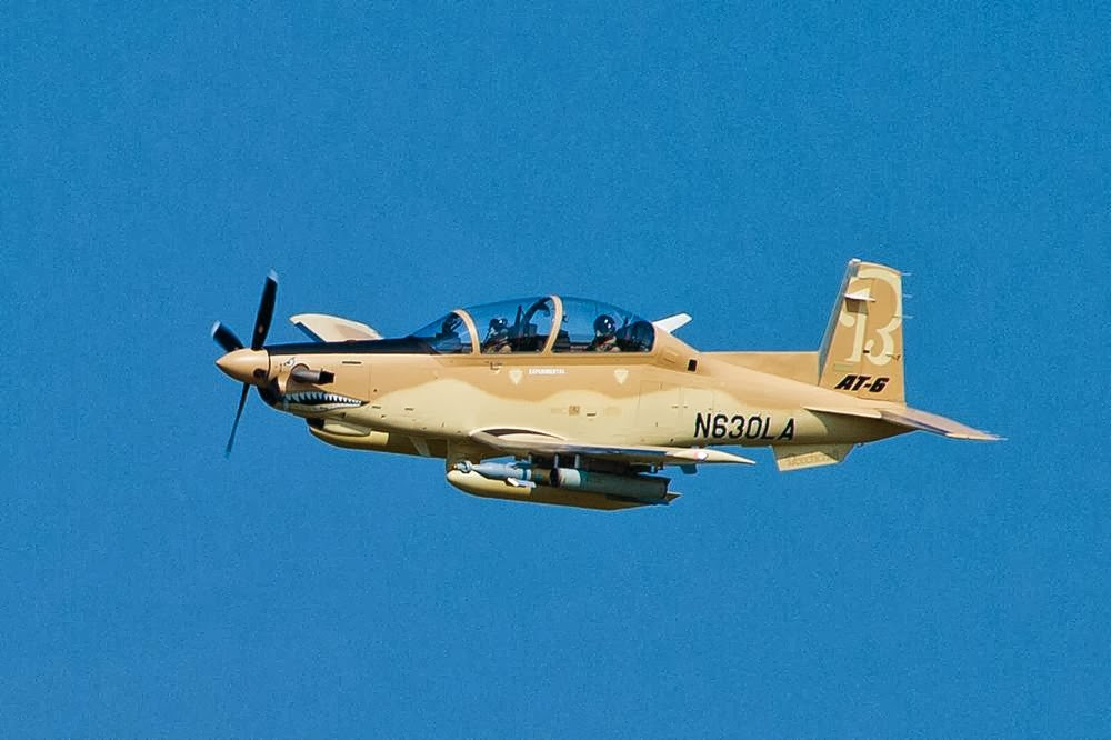 Cromo del Nuevo T-6 Texan SEMAR-Escuela de Aviación Naval Beechcraft-AT-6-Flight