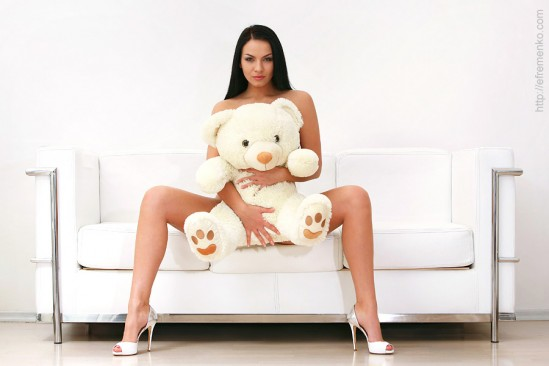 Εδώ καλησπέρες ......καληνύχτες ......!!!! - Σελίδα 7 Teddy-Bear-sexy-model-teddy-goodnight-Chennys-2-bw-women-comments-quotes-romantic_large