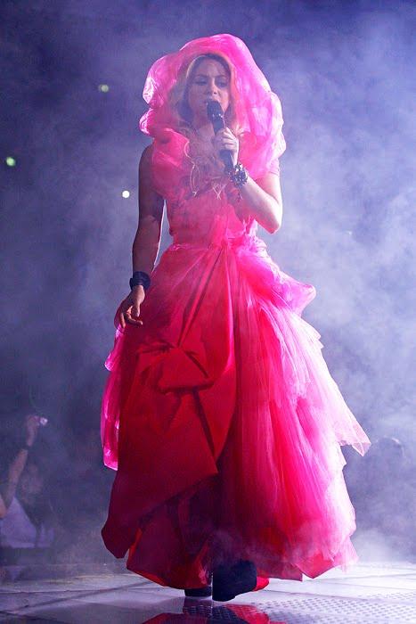 Galería » Apariciones, candids, conciertos... - Página 2 Shakira_arena18_393658S0