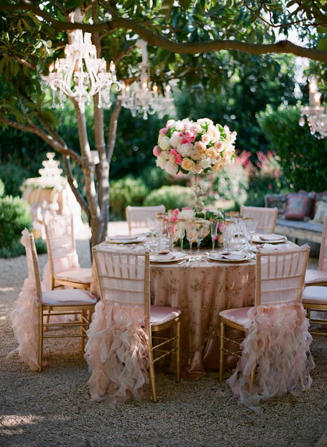 Svadbeni dekor Chandeliers-outdoor-weddings-9
