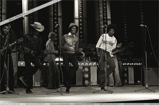Raridades: Somente fotos RARAS de Michael Jackson. - Página 6 002