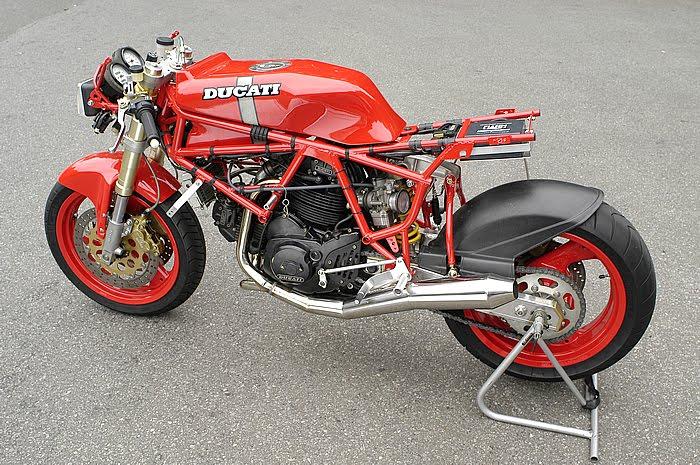 Ducati Deux soupapes - Page 6 Ducati%2B750%2BTT1%2Bby%2BNaoe%2BMachinery%2B04