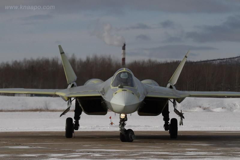 تجارب مقاتلة جديدة متعددة الأغراض في روسيا T-50-3_14_big