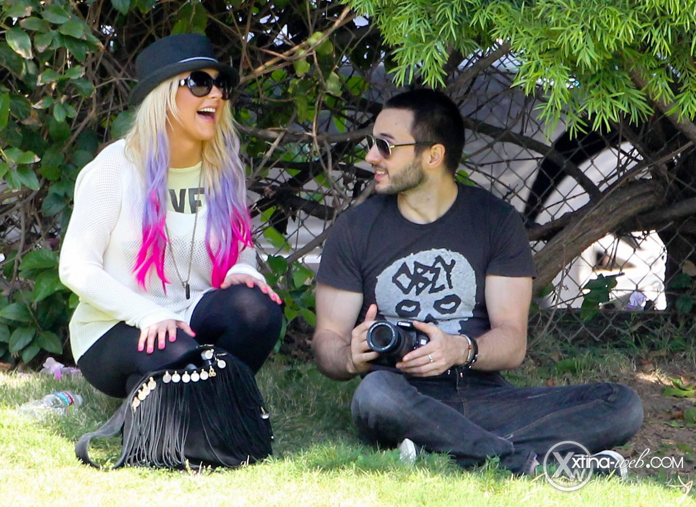 [Fotos] Christina, Max y Matt en Studio City (California) 7/10/2012 30
