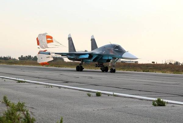 Russian military intervention and aid to Syria #1 - Page 38 Photo%2Breport%2Bfrom%2Binside%2Bthe%2Bal-Hamim%2Bmilitary%2Bair%2Bbase%2B8