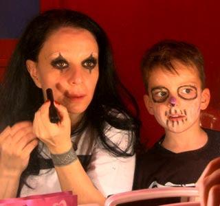 Alice Cooper reparte Niños Muertos (Nightmare 2, el regreso de Steven!!!) - Página 20 Alaska_y_mario_4