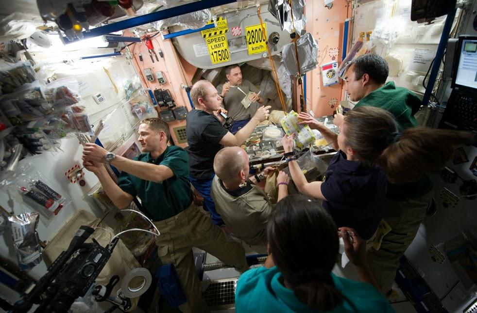 --Работа шаттла на орбите : фотографии-- ShuttleI