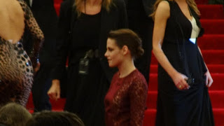 Kristen Stewart - Imagenes/Videos de Paparazzi / Estudio/ Eventos etc. - Página 31 DSC01400