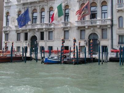 رحلة إلى مدينة القوارب البندقية '' فينيسيا  Vinetsya301107p4
