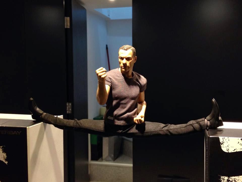 [Enterbay] Jean-Claude Van Damme (JCVD) - 1/6 scale - Página 3 Eb2