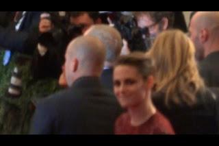 Kristen Stewart - Imagenes/Videos de Paparazzi / Estudio/ Eventos etc. - Página 31 BJo-kMMCMAAN0E_.jpg-large