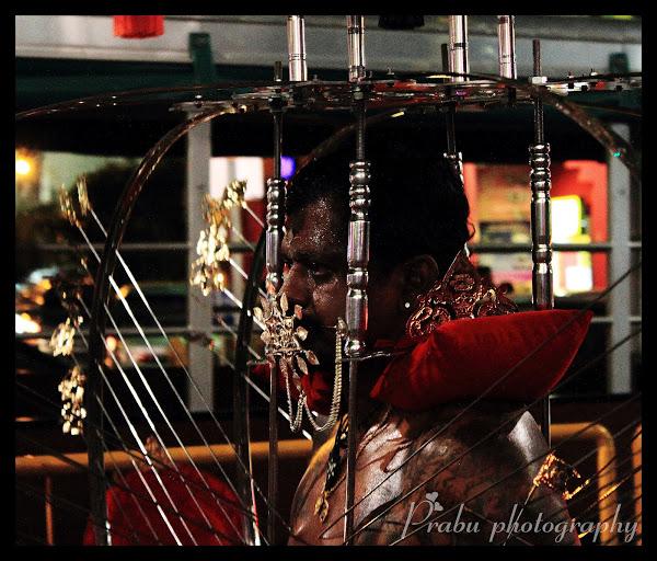 சிங்கப்பூர் தைப்பூசம் 2012 (புகைப்படங்கள்)-பகுதி-2 IMG_5228-1