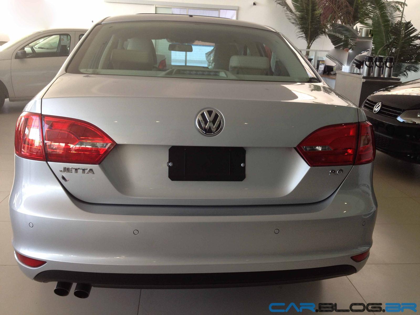 (W205): Sensor de estacionamento VW-Jetta-Comfortline-2013-traseira