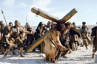 கிறிஸ்தவம் என்றால் என்ன? Jesus-carries-the-cross