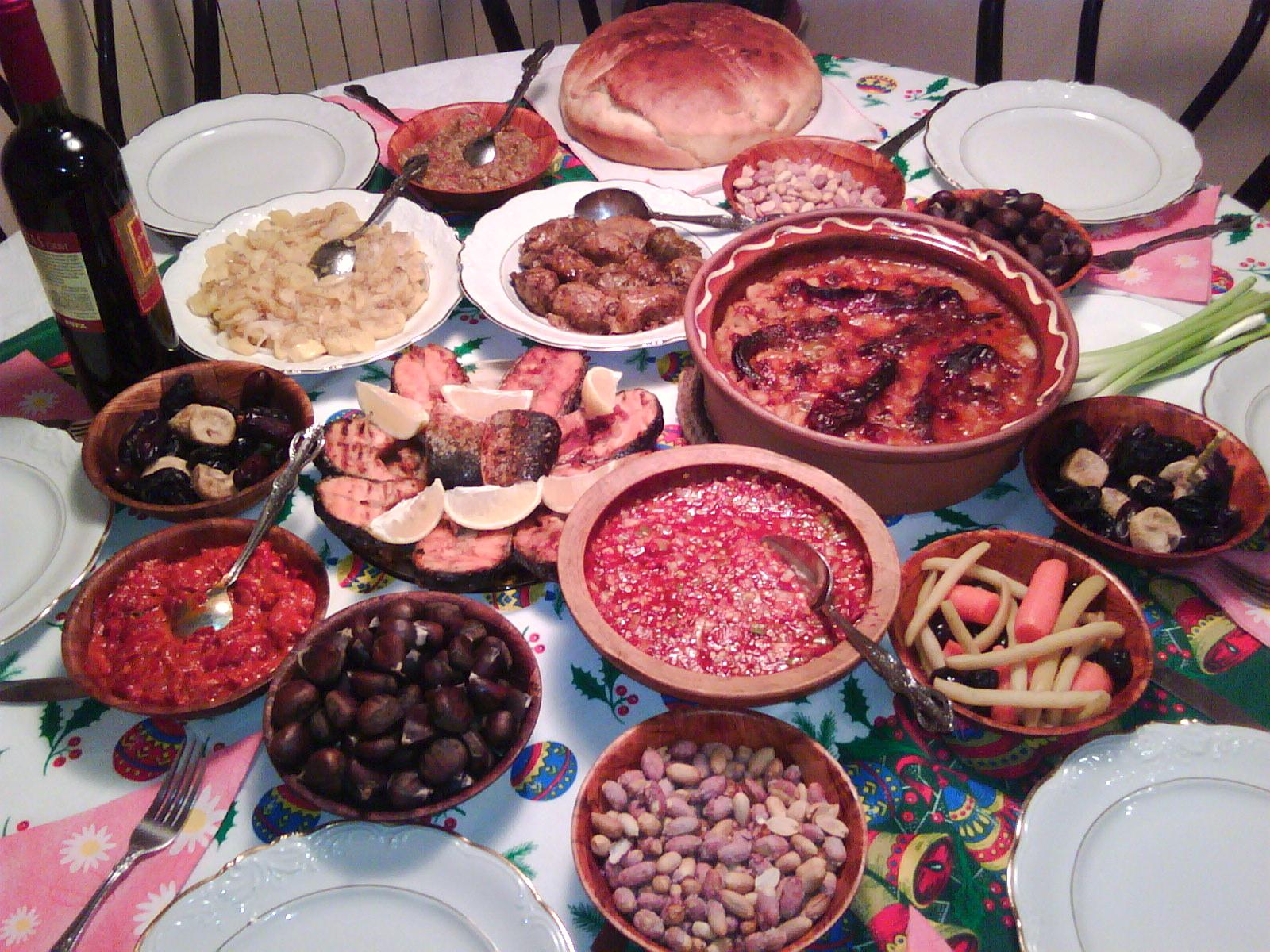 Makedonija Christmas_Eve_%2528Badnik%2529_Dinner_Table_Macedonian