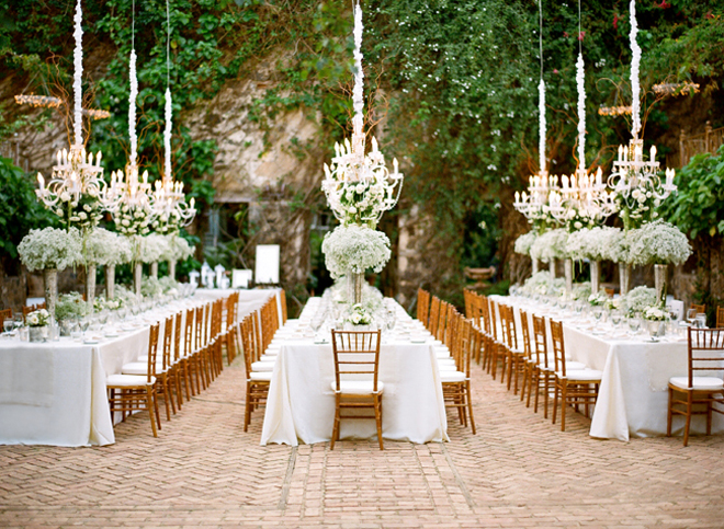 Svadbeni dekor Chandeliers-outdoor-weddings-8a