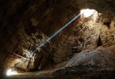 كهف مجلس الجن Oman-cave