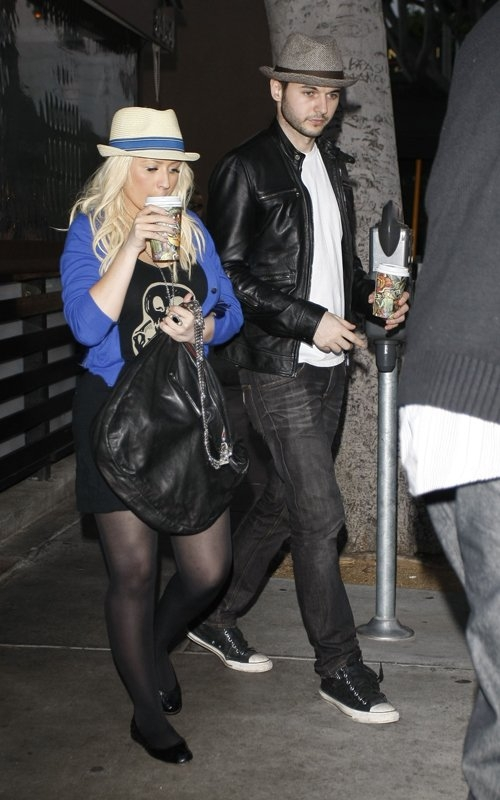 [Fotos+Video] Christina Aguilera y su Hermano yendo de Compras a Fred Segal (30/Mar/12) 4%257E31