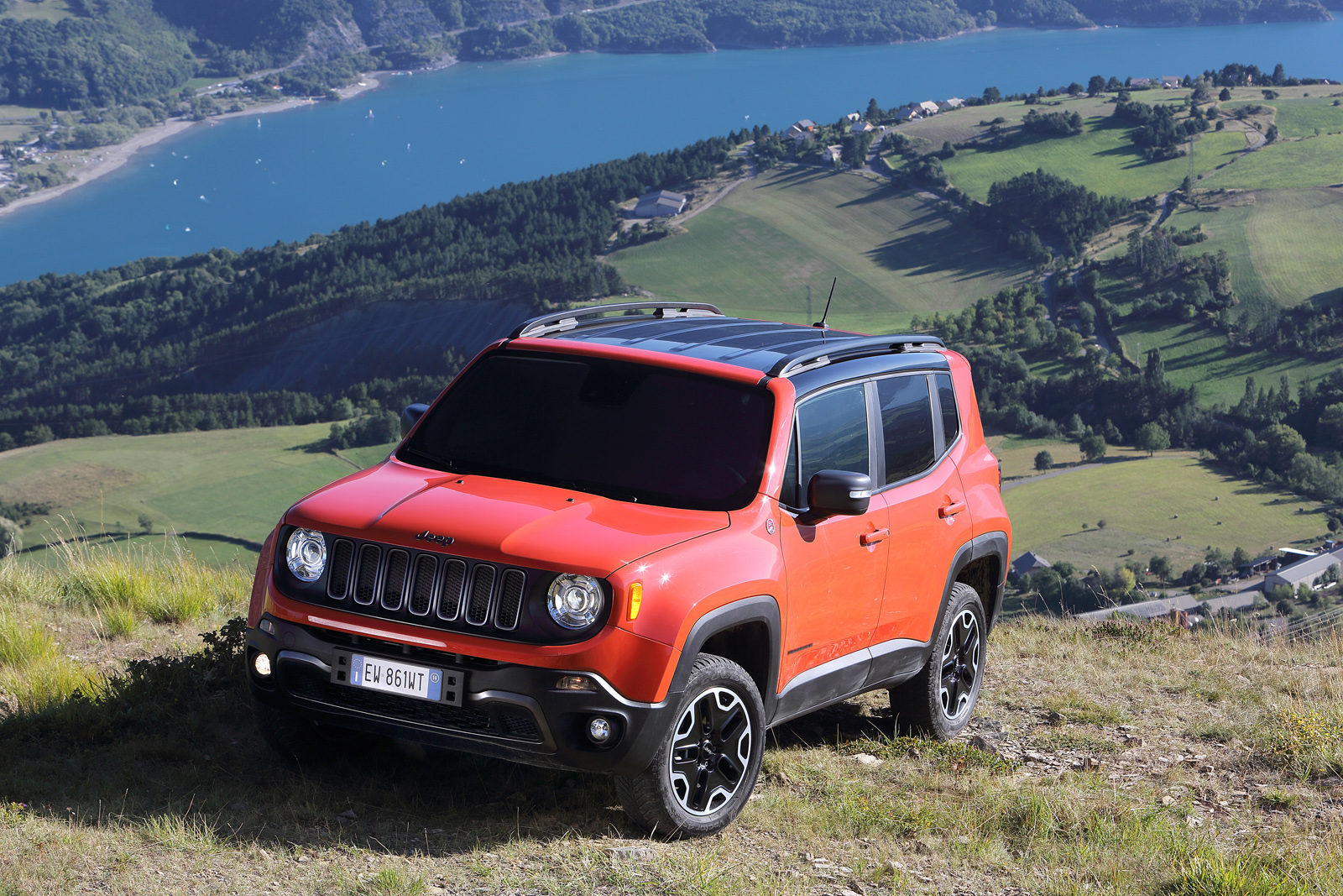2014 - [Jeep] Renegade - Page 10 Jeep-Renegade-Trailhawk-11