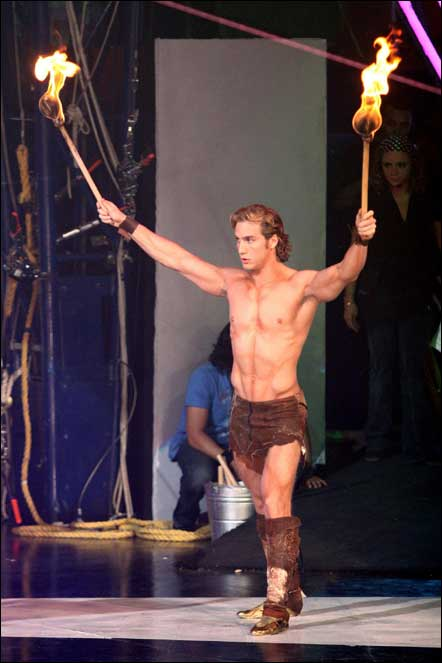 Эухенио Сийер/Eugenio Siller - Страница 2 Eugenio_Siller-mexican-hunk-shirtless.glooce.com53