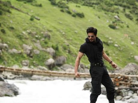 NEW STILL SRK in Jab Tak Hai Jaan 657599594_cr_1347862793_460x460